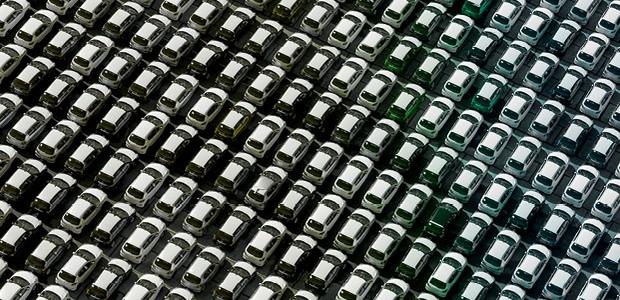 Com fábricas paradas e lojas fechadas, setor automotivo enfrenta sua maior crise (Foto: Getty images)