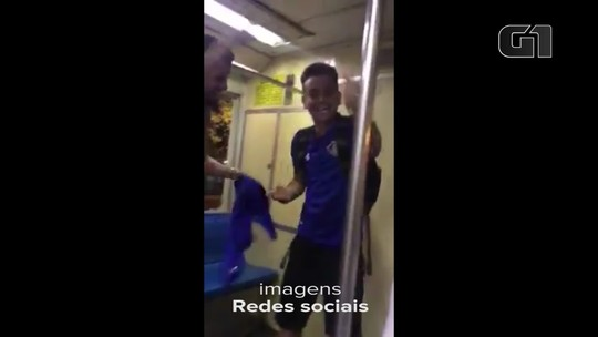 Vídeo mostra torcedor depredando trem após jogo do Fluminense no Maracanã