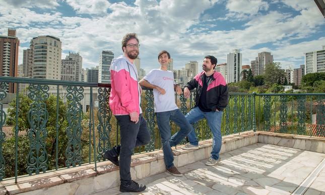 Gabriel Laet, Gustavo Vaz e Lucas Cardoso, fundadores da EmCasa