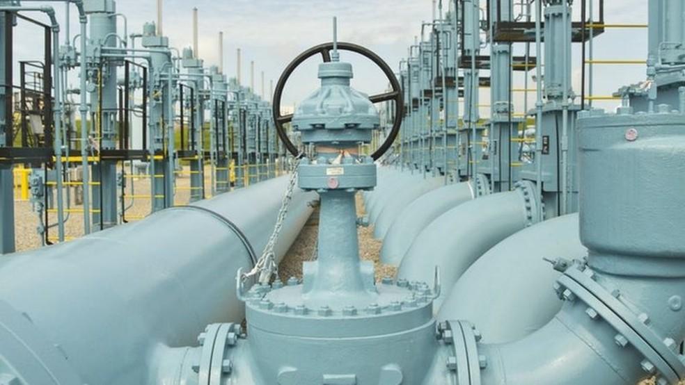 Especialistas temem que, se o serviço não for restaurado antes de terça-feira, o impacto econômico possa ser maior. — Foto: Colonial Pipeline via BBC