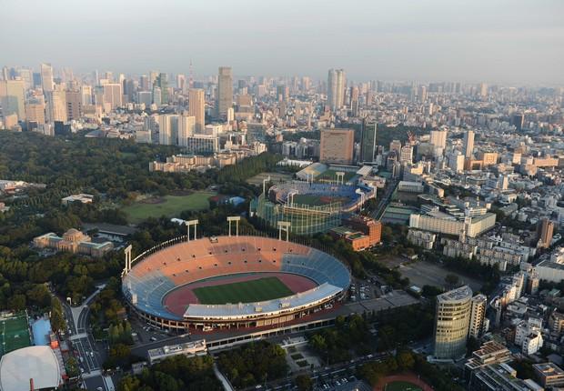 Vista aérea do National Olympic Stadium que abrigará a abertura dos Jogos Olímpicos de Tóquio 2020 (Foto: Atsushi Tomura/Getty Images)