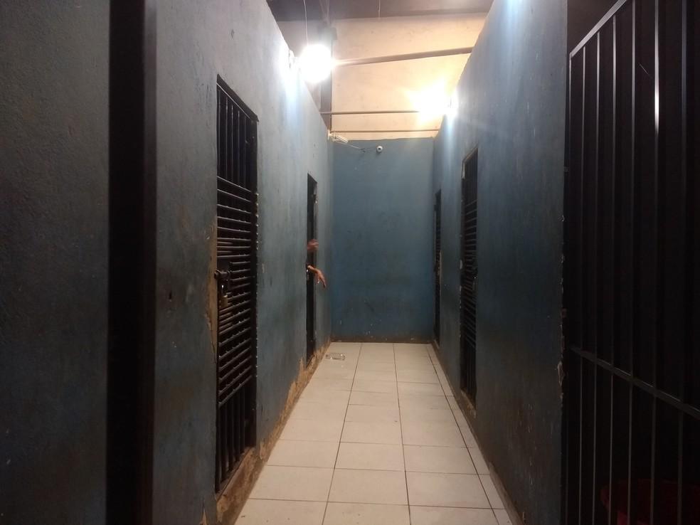 Homem foi preso na Central de Flagrantes Porto Velho — Foto: Jheniffer Núbia / G1