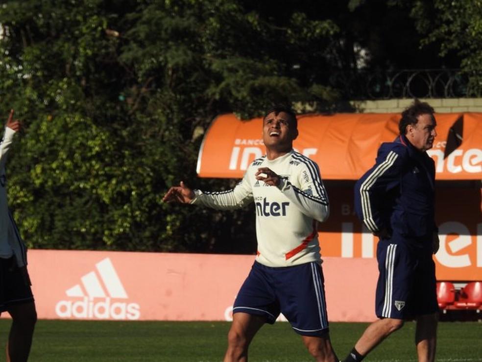Everton deve retornar ao São Paulo contra o Vasco — Foto: Eduardo Rodrigues
