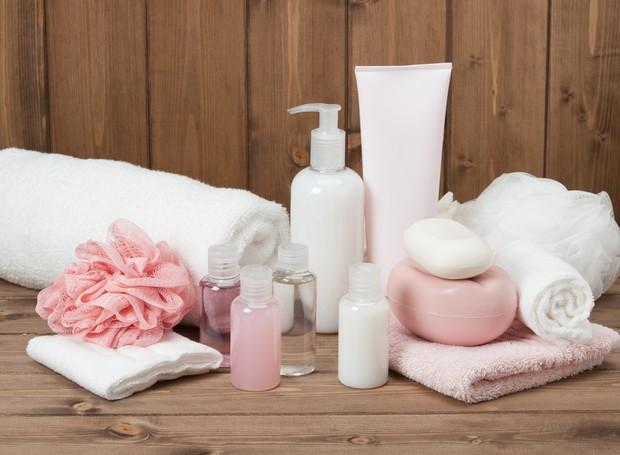 Use seus cosméticos favoritos e fique ainda mais cheiroso  (Foto: Thinkstock)