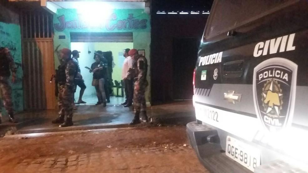 Cabo da PM foi morto ao sair de um salão, onde havia acabado de cortar o cabelo (Foto: Sérgio Henrique Santos/Inter TV Cabugi)