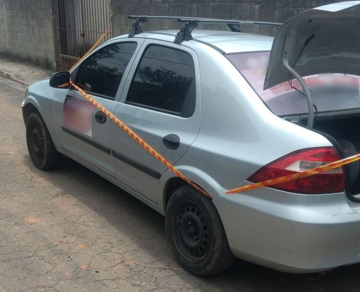 Corpo é encontrado dentro de porta-malas de carro em Itaquaquecetuba, diz polícia