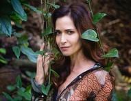 """Ingra Lyberato relembra cena nua com participação de jacaré em 'Pantanal': """"Noites sem dormir"""""""