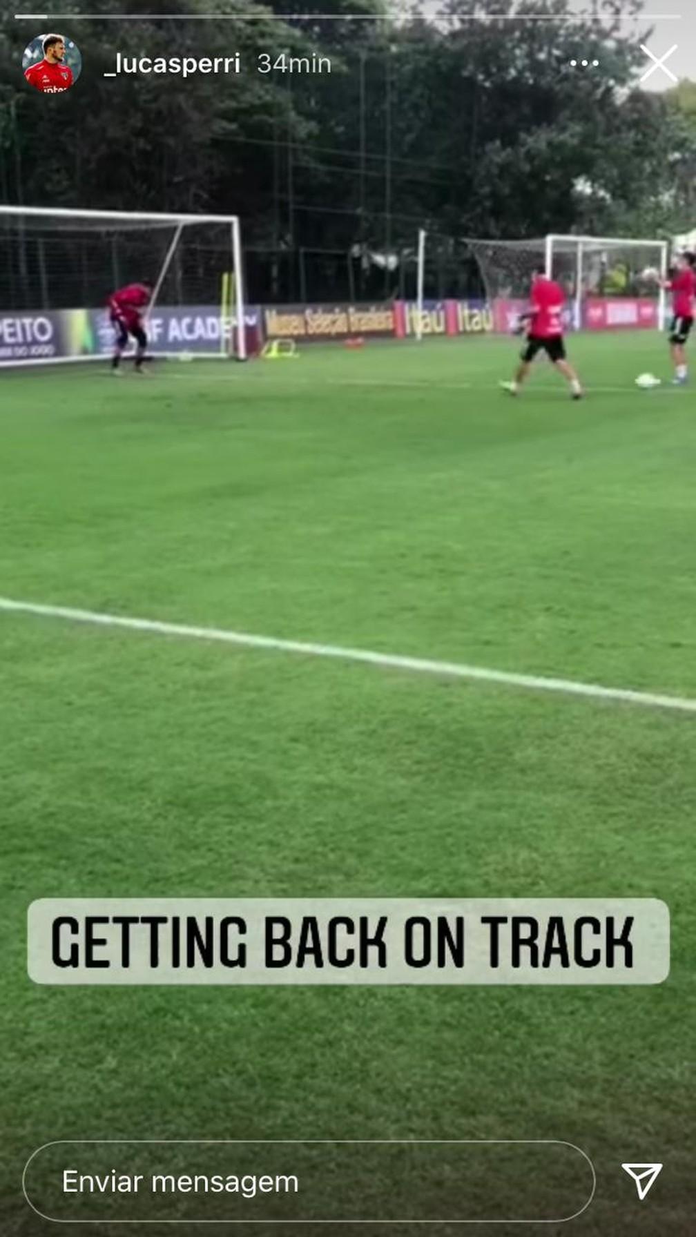 """""""Voltando aos trilhos"""", escreveu Perri em inglês — Foto: Reprodução Instagram"""