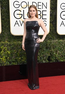 Amy Adams de Tom Ford e joias Cartier