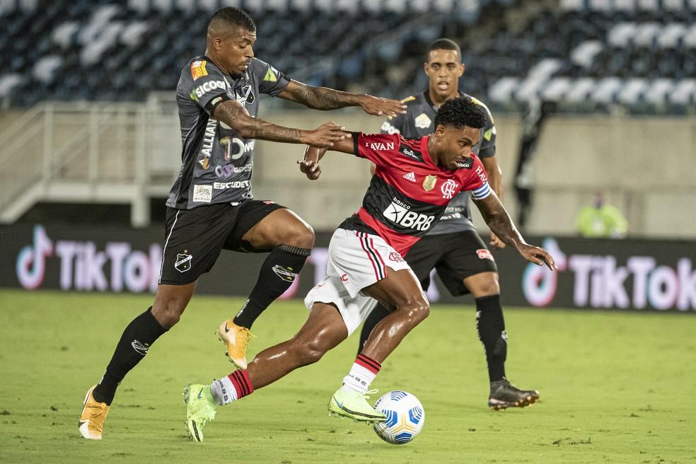 Vitinho foi um dos destaques do Flamengo na vitória sobre o ABC — Foto: Alexandre Vidal/Flamengo