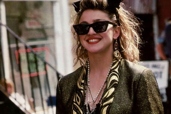A cantora Madonna em cena de Procura-se Susan Desesperadamente (1985) (Foto: Reprodução)