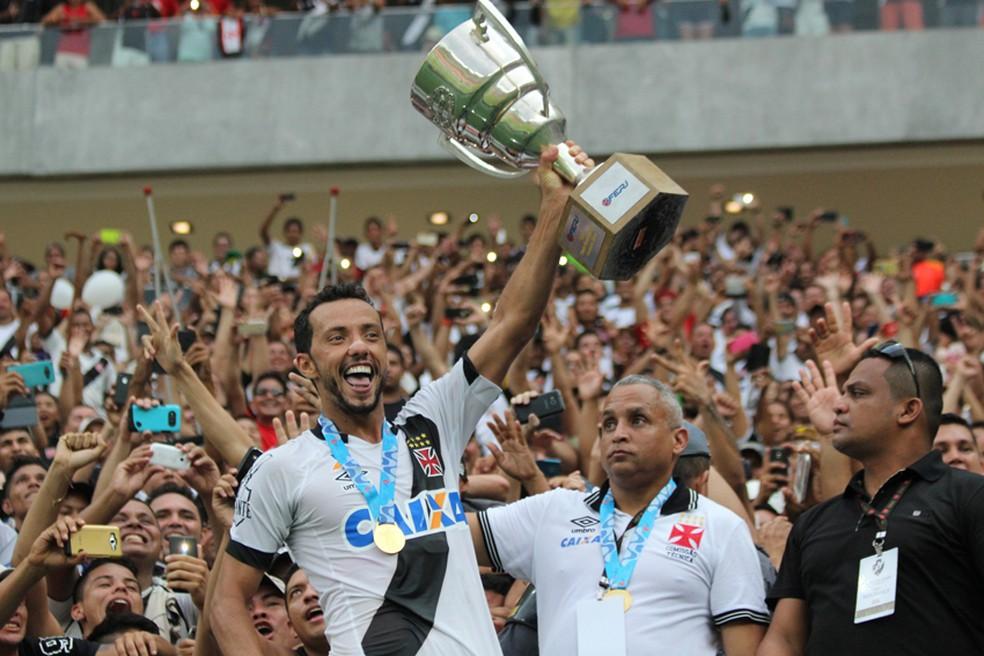 Nenê foi campeão carioca e eleito o craque do campeonato em 2016 — Foto: Carlos Gregório Jr-Vasco.com.br.