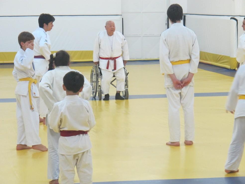 Sensei Massao Shinohara em ação em 2014 — Foto: José Geraldo Azevedo / GloboEsporte.com