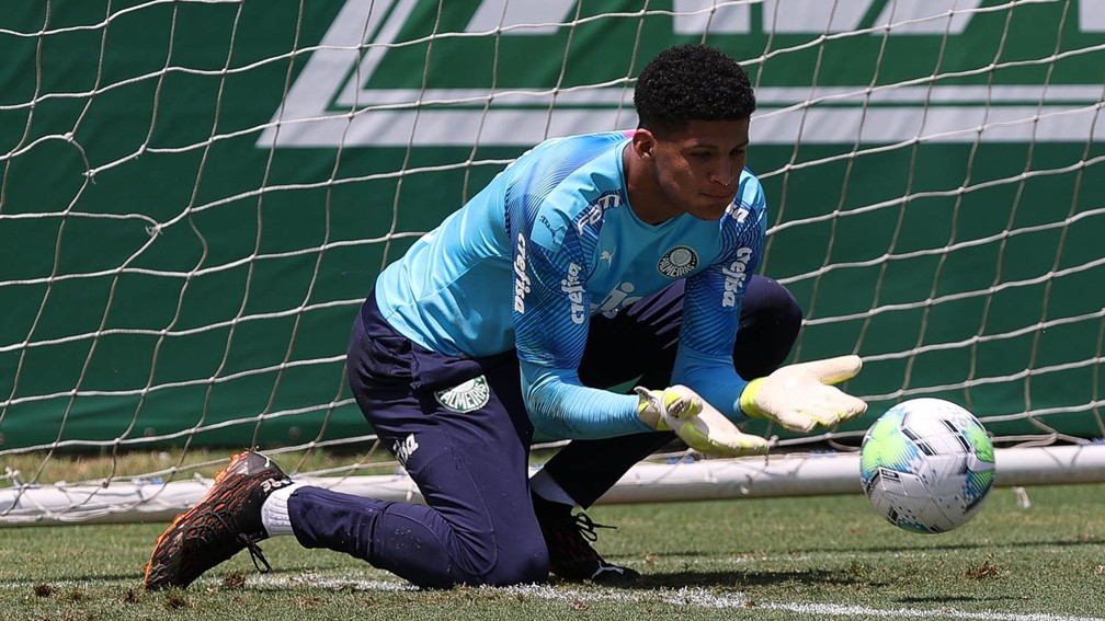 Escalação do Palmeiras: Abel encerra preparação e relaciona garotos para enfrentar Ceará