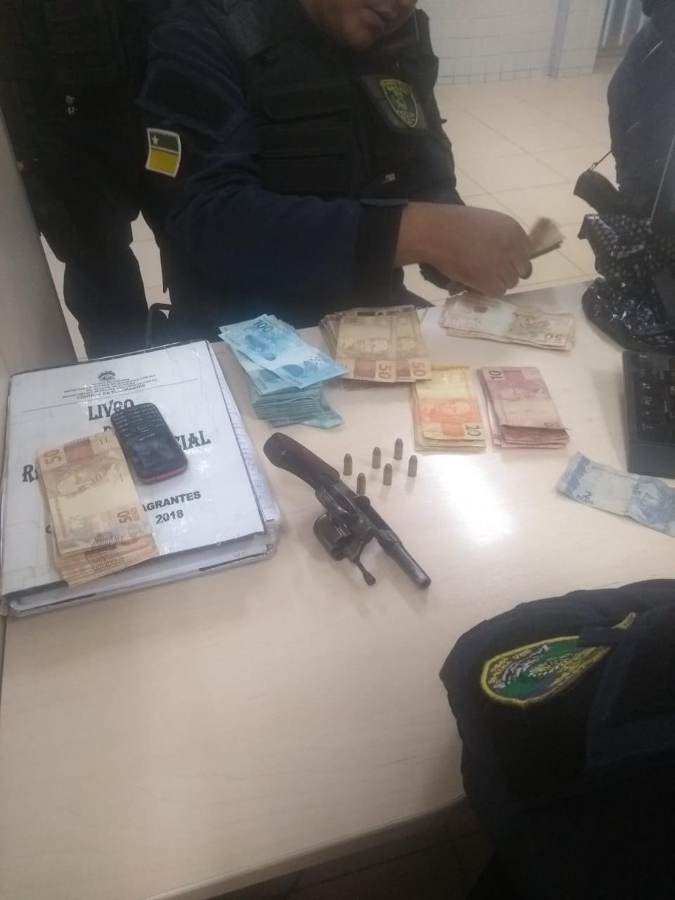 Dupla armada rouba R$ 21 mil de loja e acaba presa após se envolver em acidente em Boa Vista - Noticias