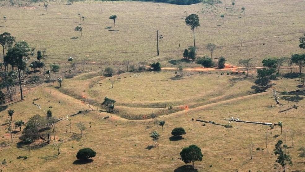 Arqueólogos do Brasil e do Reino Unido descobriram que quase 1 milhão de pessoas habitaram áreas da Amazônia entre os anos 1200 e 1450, em áreas distantes de rios (Foto: University of Exeter)