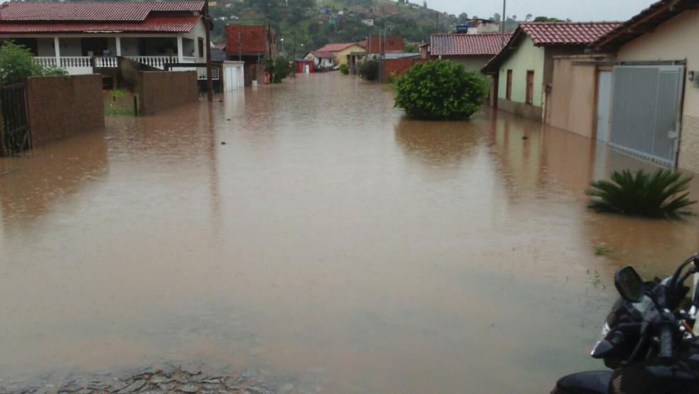 Rio Norte subiu dois metros acima da calha (Foto: Defesa Civil/Divulgação)