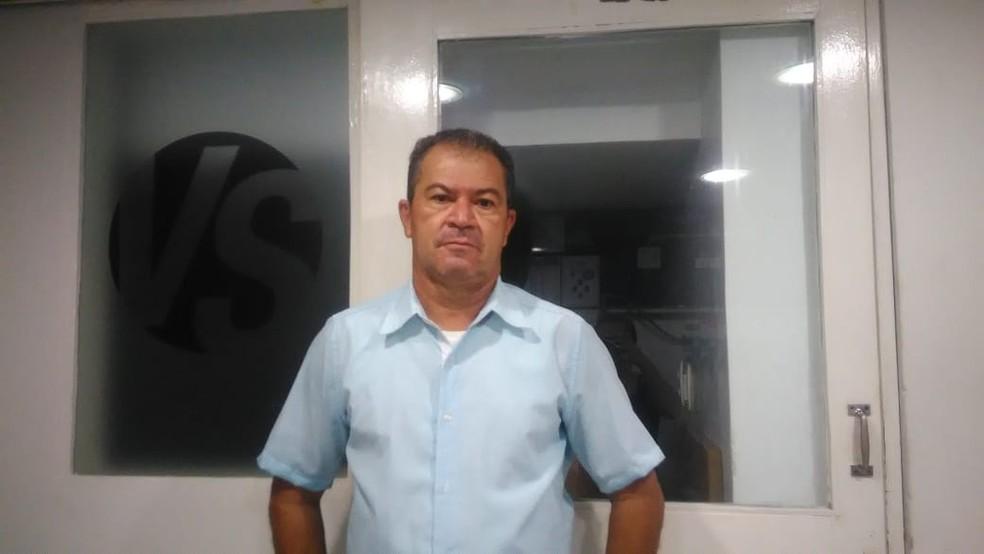 Desempregado, Wladmir Rodrigues, de 57 anos, teve história viralizada nas redes sociais, após caminhar mais de 25 km para entregar currículos. — Foto: Cedida