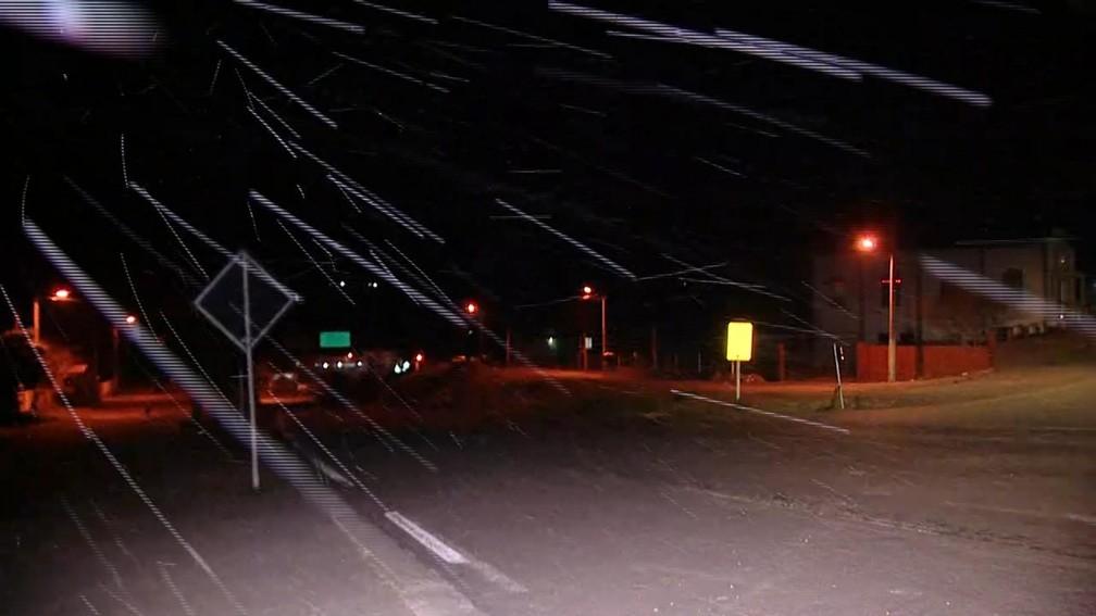 Serra catarinense registrou neve durante a noite de quarta-feira  Foto: Reprodução/ NSC TV