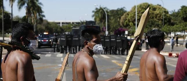 Tropa de choque da polícia foi enviada para dispersar manifestação de indígenas