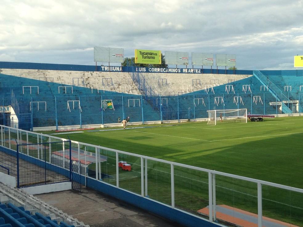 Estádio Monumental Jose Fierro recebe lotação máxima na Libertadores (Foto: Rodrigo Faber)