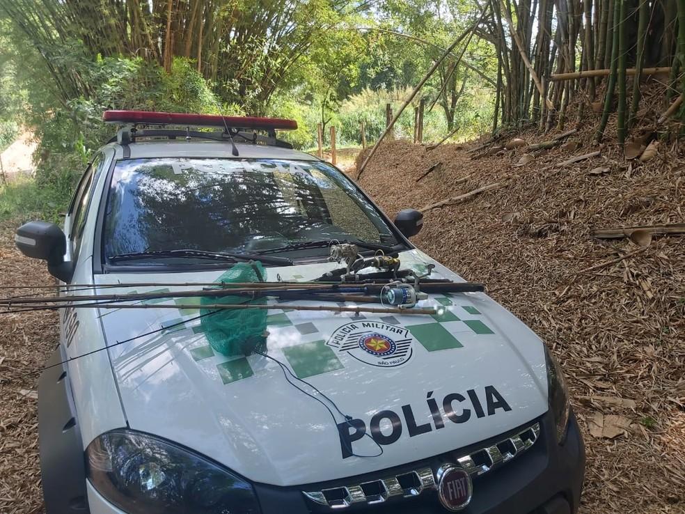 Polícia Ambiental fazia fiscalização por causa do início da piracema em Marília  — Foto: Divulgação/Polícia Ambiental