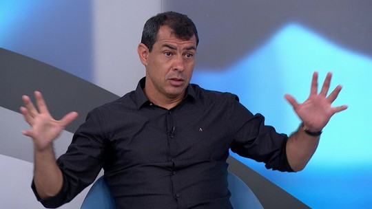 Carille revela sondagens de Sevilla e Bordeuax em 2018, mas diz que falta de licença foi entrave