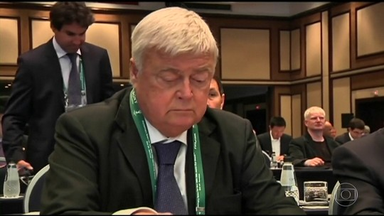 Caso Fifa: delator brasileiro diz ter pago propina a dirigentes desde 1991