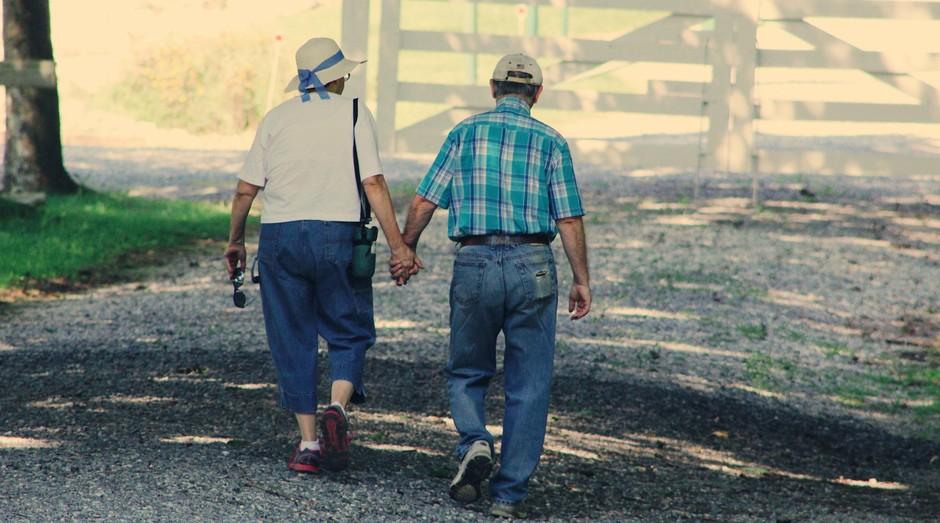 casal, idosos (Foto: Reprodução/Pexels)