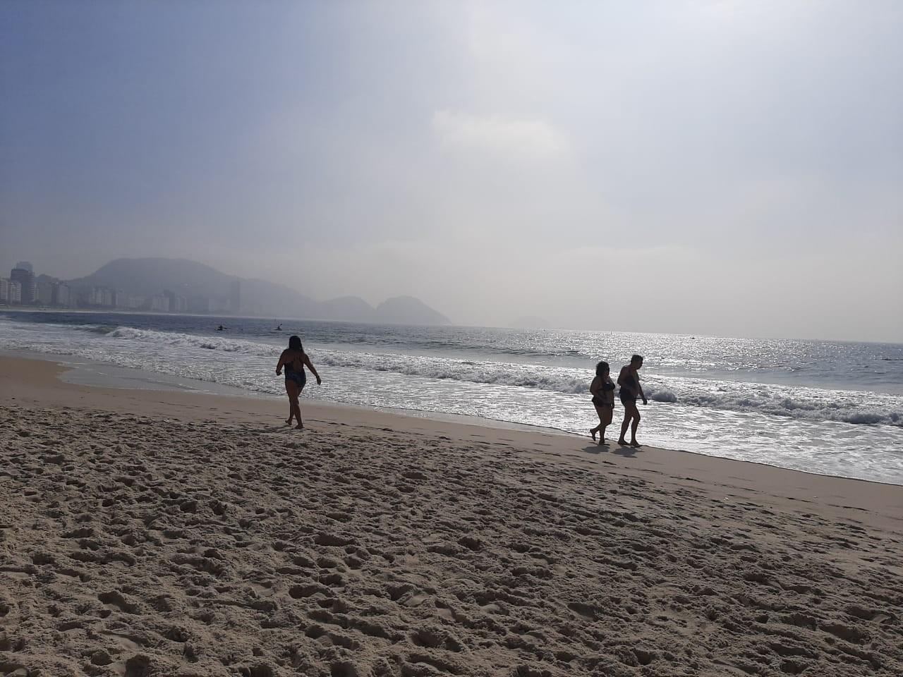 Rio tem manhã com névoa na orla carioca; temperatura máxima pode chegar a 35ºC