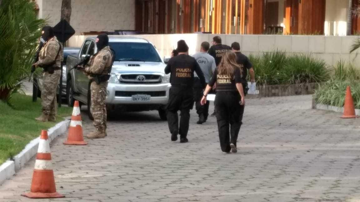 Líderes da organização criminosa presos durante operação da PF estavam em resort para festa de casamento