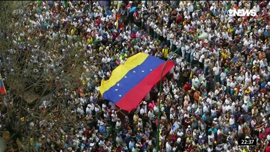 Venezuelanos protestam contra cortes de água e energia