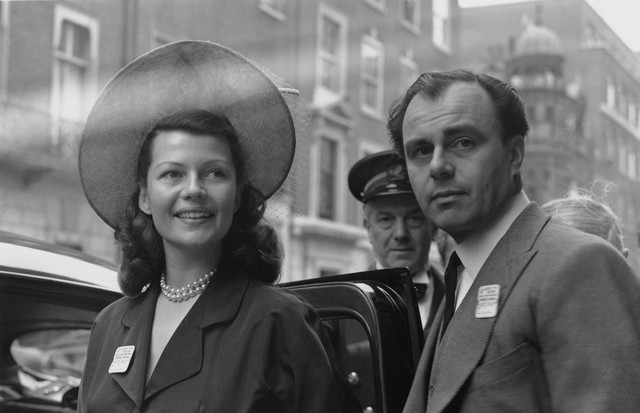 Rita Hayworth e  (Foto: Reprodução/Getty Images)