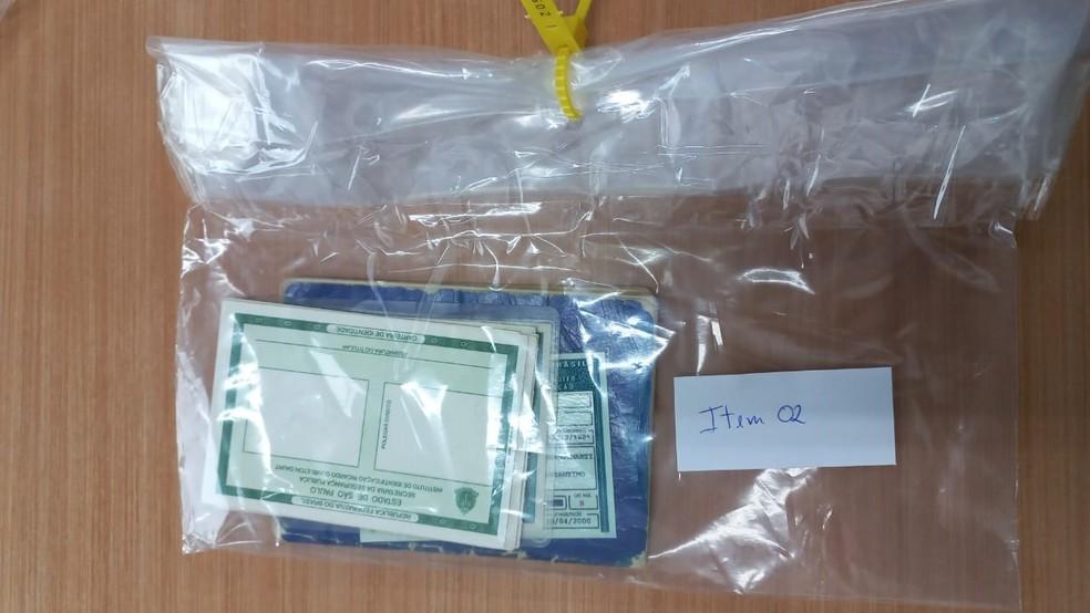 Réplicas de RG em branco foram apreendidos em operação da Polícia Federal em Avaré — Foto: Polícia Federal/Divulgação