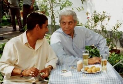 Com Paulinho da Viola em gravação de comercial, em 1997