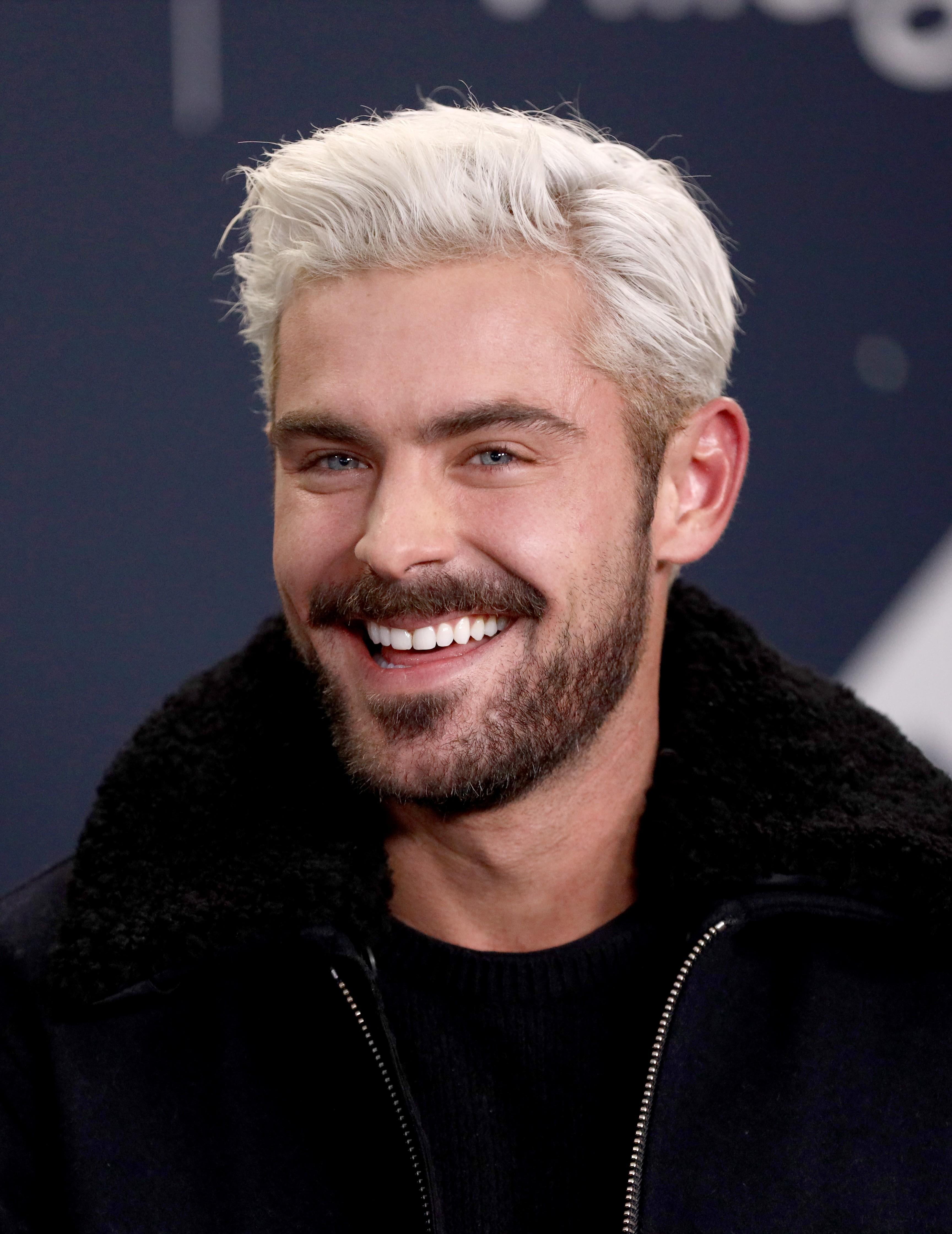 Zac Efron escolheu um tom mais frio para o cabelo (Foto: Foto: Getty Images)