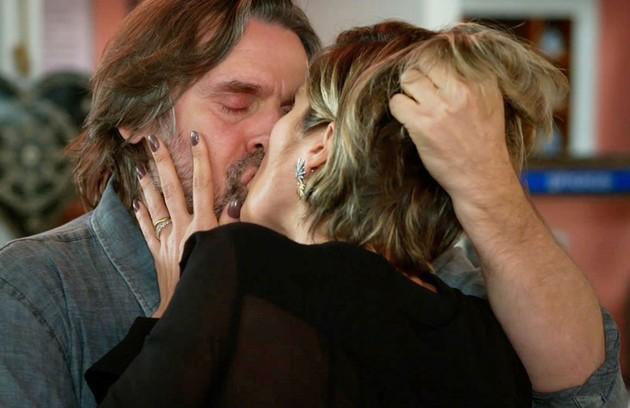 Após se casarem, Helena (Flávia Alessandra) e Mário (Murilo Rosa) finalmente reencontrarão a felicidade (Foto: TV Globo)