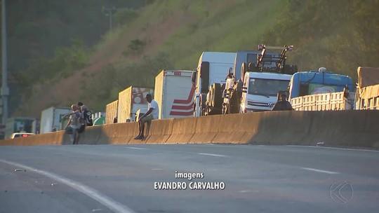 Protesto dos caminhoneiros chega ao 5º dia e compromete setores na Zona da Mata e Campo das Vertentes