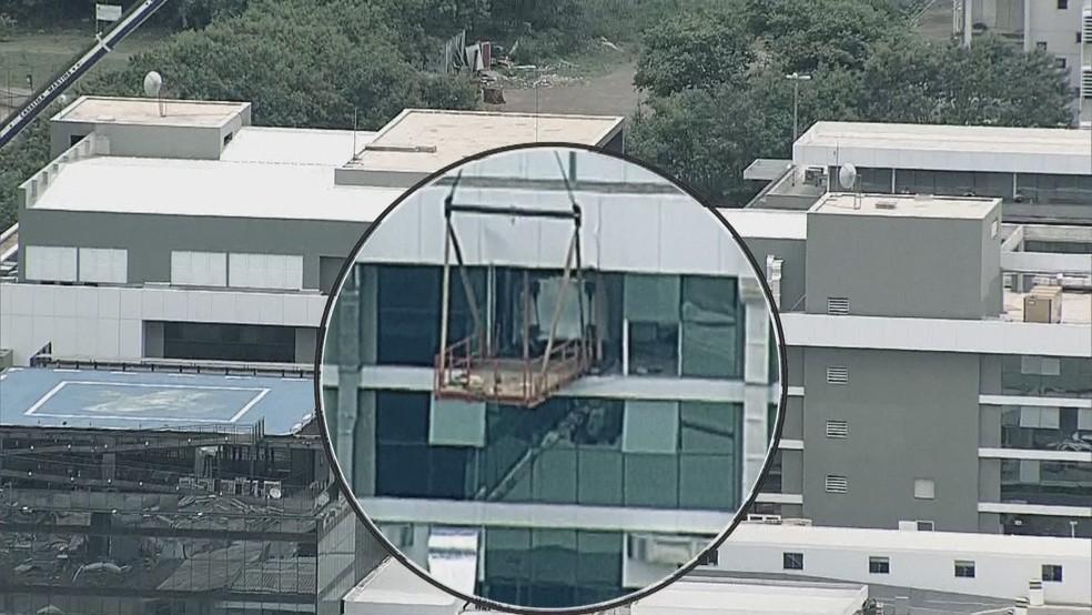 Estrutura de onde desabou aparelho de ressonância magnética — Foto: Reprodução/TV Globo