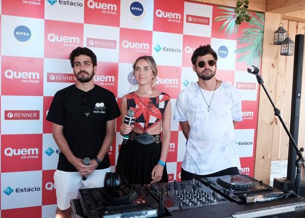 Cat Dealers e a repórter de QUEM Giulianna Campos no QUEM on Stage (Foto: Renato Wrobel/Ed. Globo)