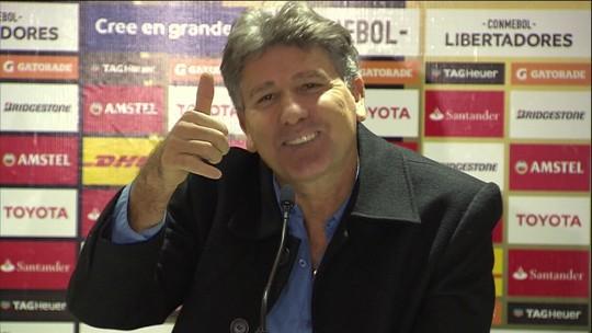 Renato Gaúcho discute com repórter que falava ao telefone no resumo da quarta-feira