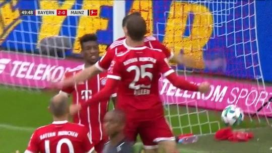 Lewandowski faz dois, Bayern goleia e se recupera de derrota no Alemão