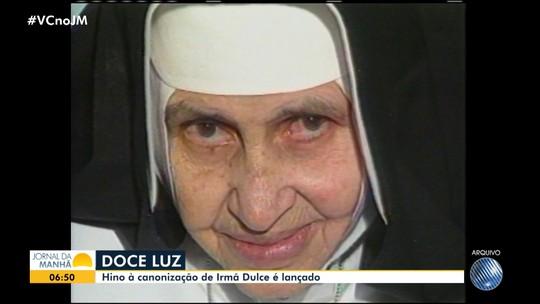 Margareth Menezes e Waldonys apresentam o hino da canonização de Irmã Dulce
