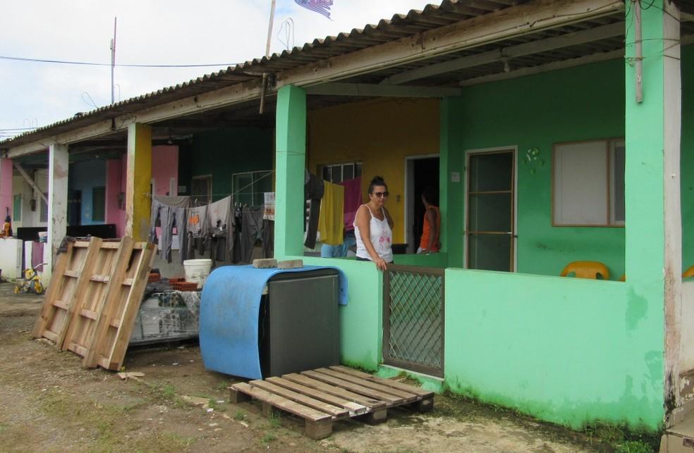 Água invadiu cinco apartamentos na Vila da Vacaria — Foto: Ana Clara Marinho/TV Globo