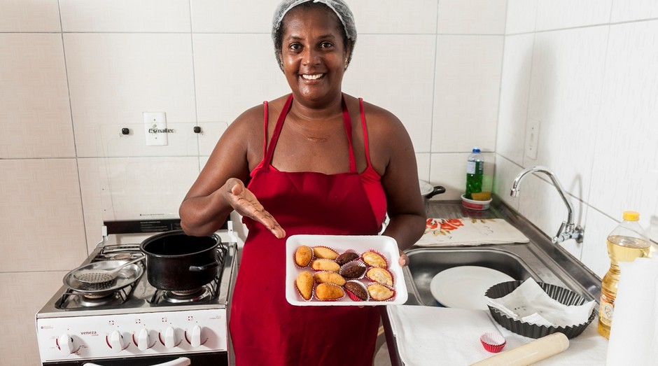 A empreendedora Gildete Rodrigues começou a vender salgados congelados há onze anos  Close (Foto: Divulgação )