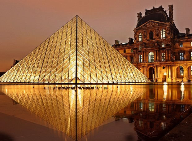 Empresa de viagens organiza visita exclusiva ao museu do Louvre (Foto: Pexels)