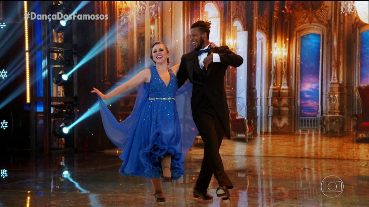 Guta Stresser e Jefferson Bilisco dançam 'You Make Me Feel So Young'