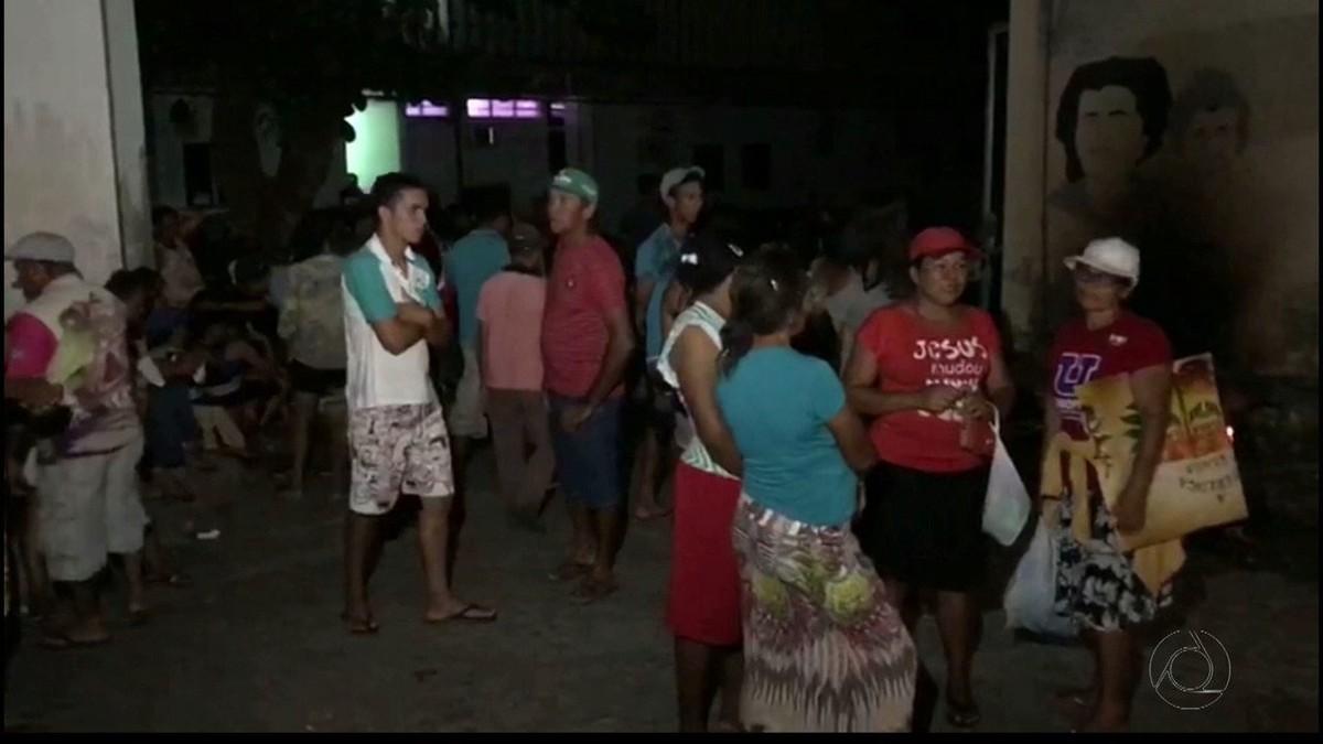 MST desocupa Avenida Epitácio Pessoa e vai para sede do Incra, em João Pessoa