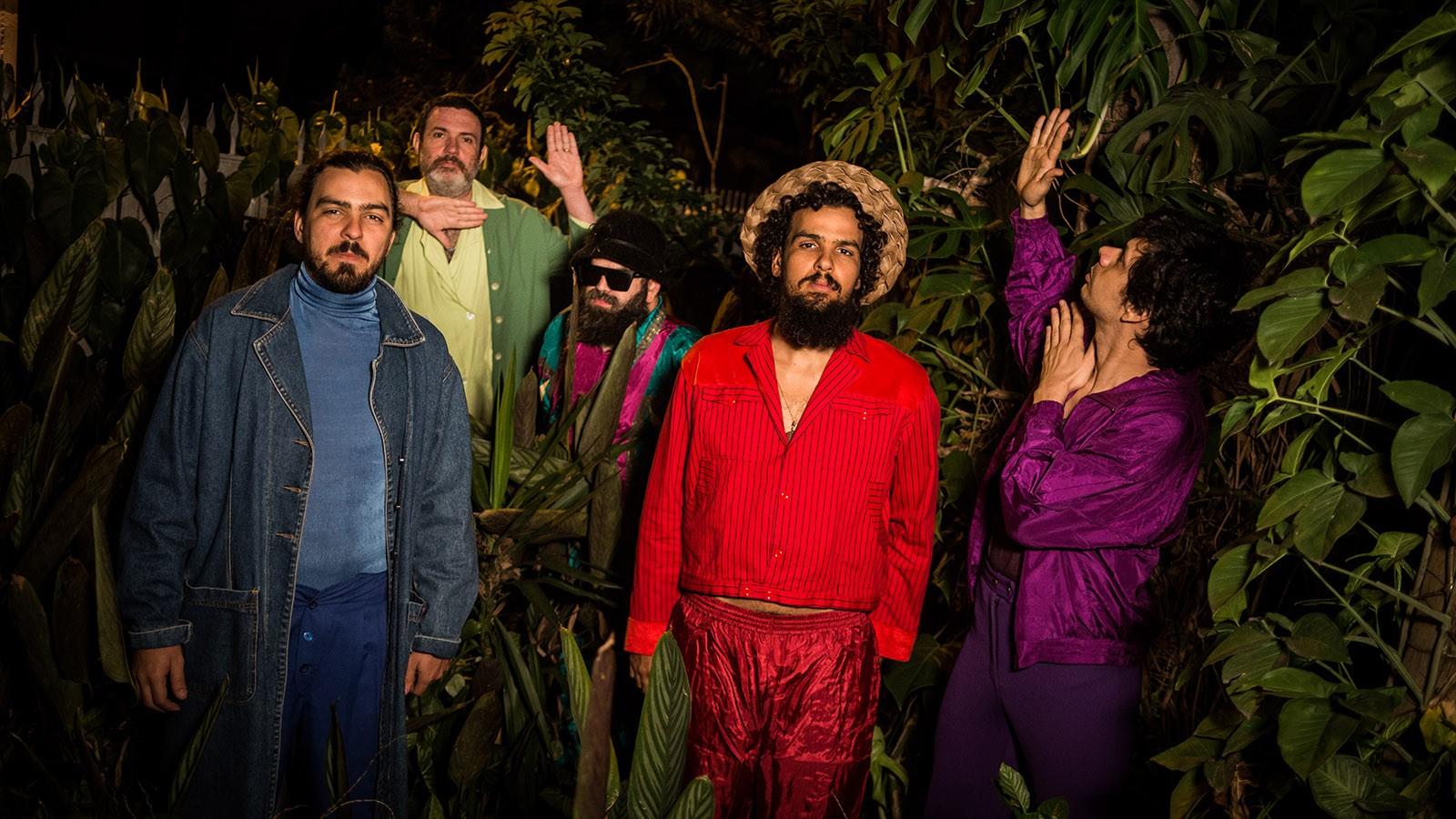 Mombojó apresenta sexto álbum do grupo como trilha sonora do filme 'Deságua'