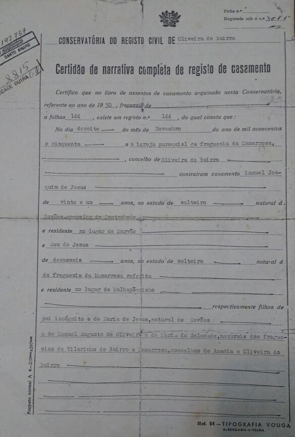 Certidão de casamento do casal, de 18 de novembro de 1950.  (Foto: Arquivo Pessoal/Márcia Regina de Jesus)